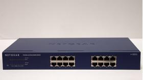 """Switch di rete 16 porte """"Netgear"""", modello JGS516, usato"""