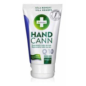 La crema rigenerativa e protettiva per le mani con il coenzima Q10 e Allantoina è specificatamente formulata per la pelle secca e screpolata.