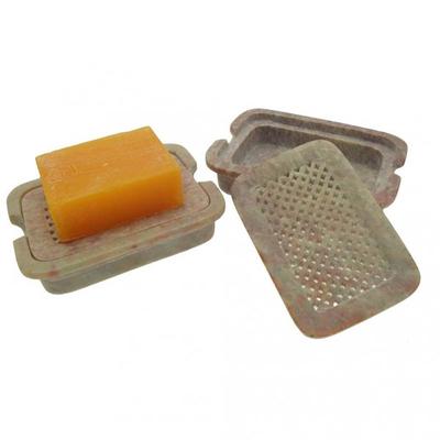I nostri portasaponi sono realizzati in pietra saponaria in modo artigianale e a mano.