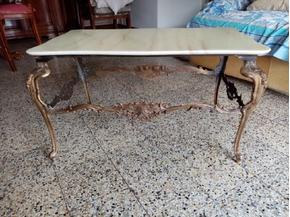 Tavolino in ottone con piano in marmo